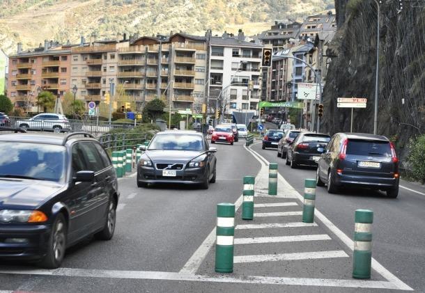 L'entrada de vehicles a l'agost baixa un 5,2%