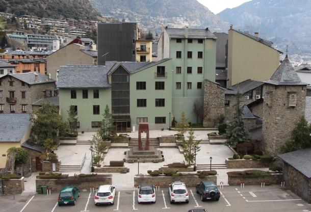 Govern adjudica l'enderroc de la Casa del Benefici per 173.580 euros