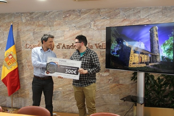 Andorra la Vella premia tres fotos de les tretze que s'han escollit per exposar-les als contenidors de brossa