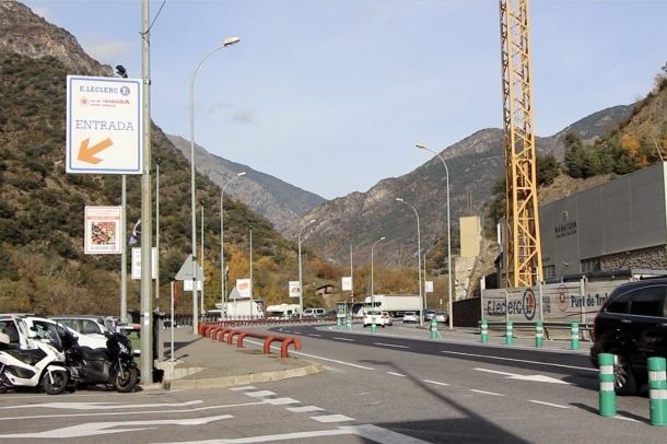 Sant Julià demanarà al Govern que es torni a habilitar la parada davant del Punt de Trobada