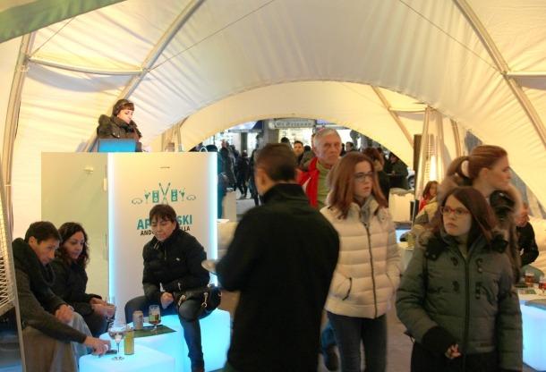 La capital estudia ampliar els dies i les zones de l''après-ski' per a la propera temporada
