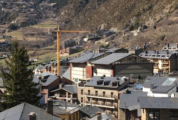La grua d'obres del passeig de l'Alguer es retira dilluns
