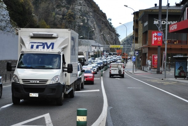 L'entrada de vehicles davalla un 0,3% al maig