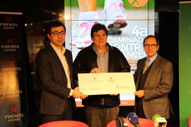 La caminada contra el càncer recapta més de 7.500 euros