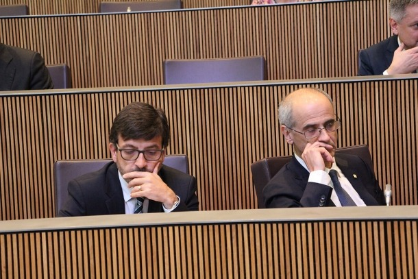 El ministre de Finances, Jordi Cinca, i el cap de Govern, Toni Martí, durant el consell extraordinari d'aquest dijous.