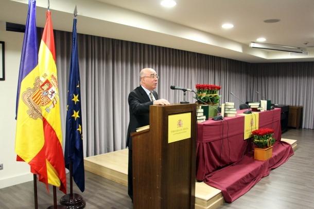 L'ambaixador espanyol Manuel Montobbio inaugura la lectura pública de 'El Quixot' i 'Tirant lo Blanc