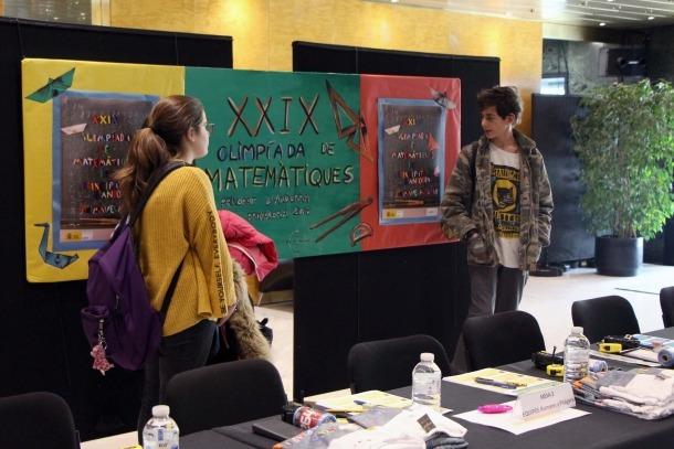 Alumnes participants a la segona fase de l'Olimpíada de matemàtiques.