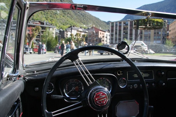 Una concentració de vehicles clàssics anterior.