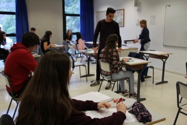 Vista parcial de l'aula que ha acollit l'examen de matemàtiques de la Prova Oficial de Batxillerat (POB) a Aixovall.