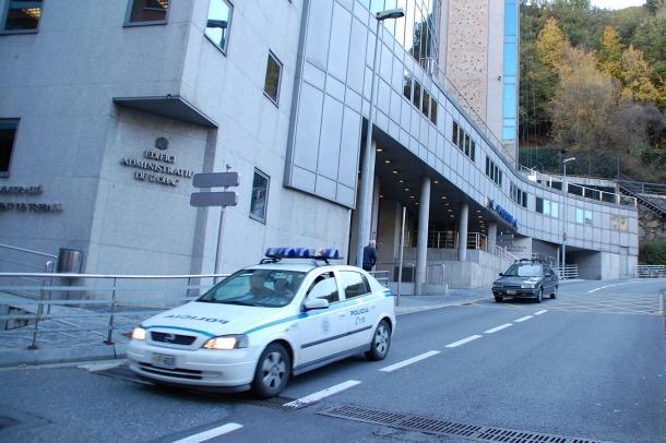 L'edifici central de la policia.
