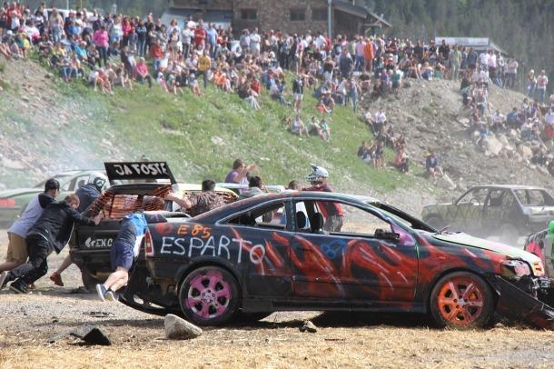 Vehicles participants al Crash Car.