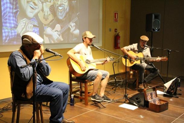 El trio The Laguards en un moment de la seva actuació.