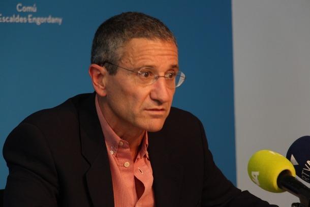 El conseller de Cultura del comú d'Escaldes Engordany, Salomó Benchluch, durant la roda de premsa d'aquest dilluns.