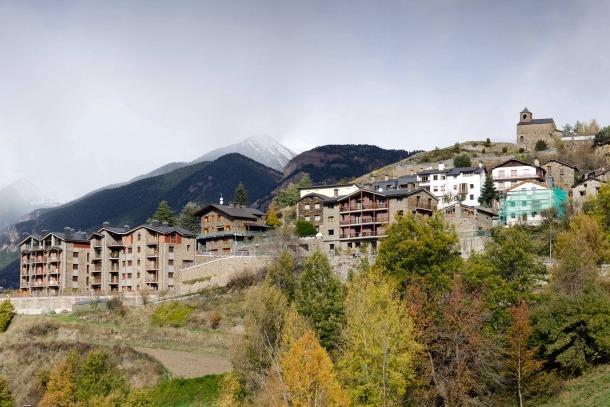 Una vista general del poble d'Anyós.