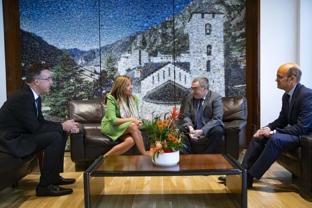 Un moment de la trobada de Ros amb els cònsols de la capital.
