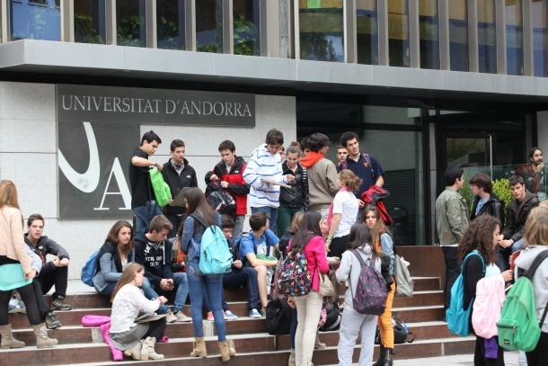 Alumnes de l'UdA.