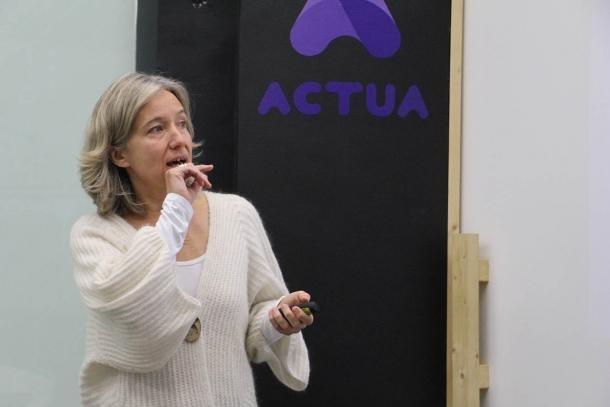 La directora d'Actua Empresa, Judit Hidalgo, en la presentació de la primera edició de les subvencions.