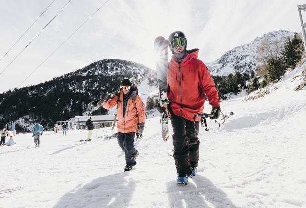 Esquiadors a Ordino Arcalís.