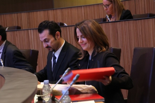 Els consellers generals del PS, Gerard Alís i Rosa Gili, durant la sessió ordinària del Consell General aquest dijous.
