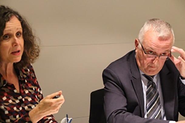 Foto Ana Foto: Arxiu ANA La directora de la Cambra de Comerç, Pilar Escaler, i el president, Miquel Armengol, en una roda de premsa.