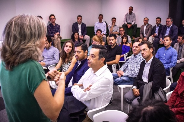 La directora d'Actua Empresa, Judit Hidalgo, durant la presentació de la campanya de subvencions.