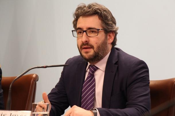El ministre d'Educació i Ensenyament Superior, Eric Jover, aquest dijous a la sala de premsa del Govern.