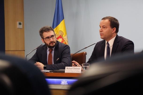 El ministre d'Educació i Ensenyament Superior, Eric Jover, i el conseller delegat de Vall Banc, Michael Christner, ahir.