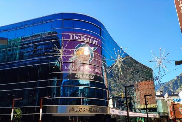 Façana de la seu central de MoraBanc, a Andorra la Vella.