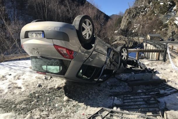 El vehicle bolcat.