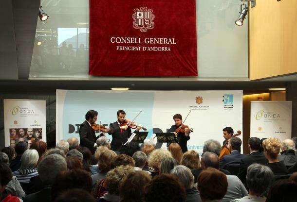 Un concert de la Consitució interpretat per l'ONCA al vestíbul del Consell General.