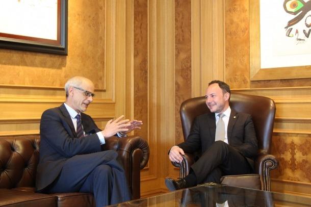 El nou cap de Govern, Xavier Espot, i el cap sortint, Toni Martí, durant la breu trobada que han mantingut.
