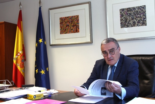L'ambaixador d'Espanya a Andorra, Àngel Ros, al seu despatx.