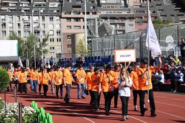 La desfilada dels participants d'Encamp.