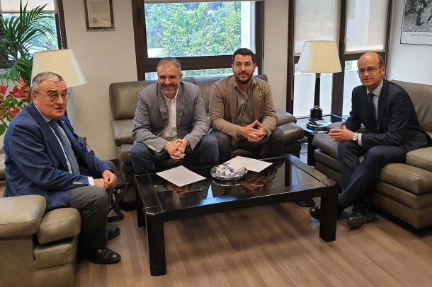 Un moment de la trobada entre Jordi Fàbrega, Francesc Viaplana, Àngel Ros i Nicolás El Busto Torán.