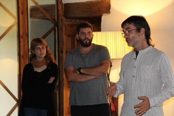 Els investigadors doctorands de la UAB, Sara Díaz i Guillem Salvador i el professor Ermengol Gassiot.