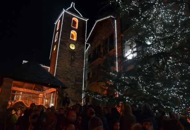 Les llums de Nadal ja il·luminen Ordino