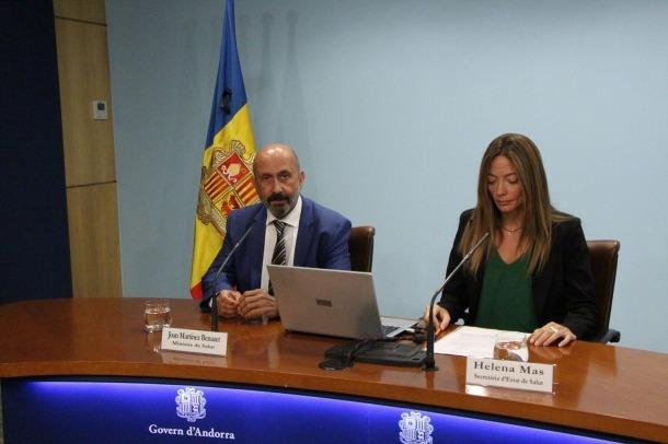 El ministre de Salut, Joan Martínez Benazet, i la secretària d'Estat, Helena Mas