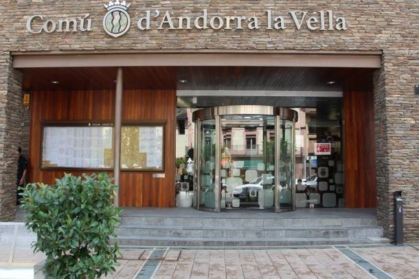 Vista de l'entrada del Comú d'Andorra la Vella