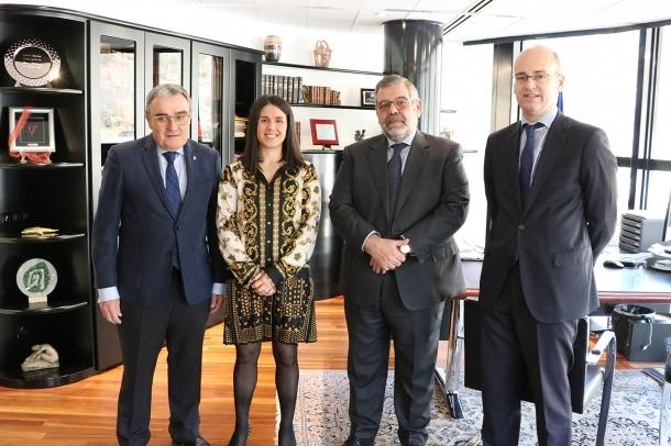Els cònsols d'Encamp, Laura Mas i Jean Michel Rascagnères, amb l'ambaixador d'Espanya, Àngel Ros, i el ministre conseller, Nicolás El Busto.