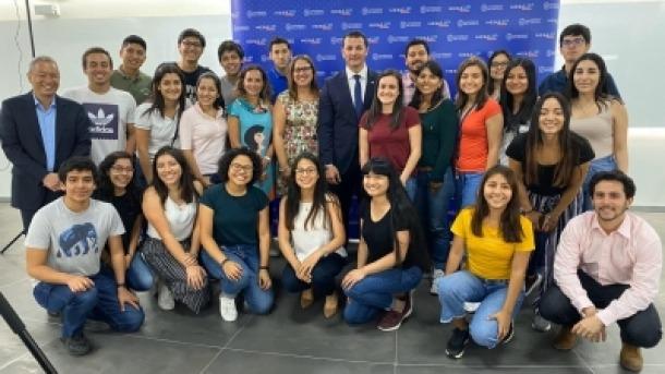 Gallardo en la seva visita a la Universidad del Pacífico de Lima. Foto: Actua