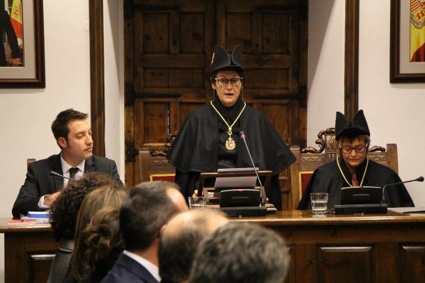 La síndica general, Roser Suñé, en el tradicional consell de Sant Tomàs.