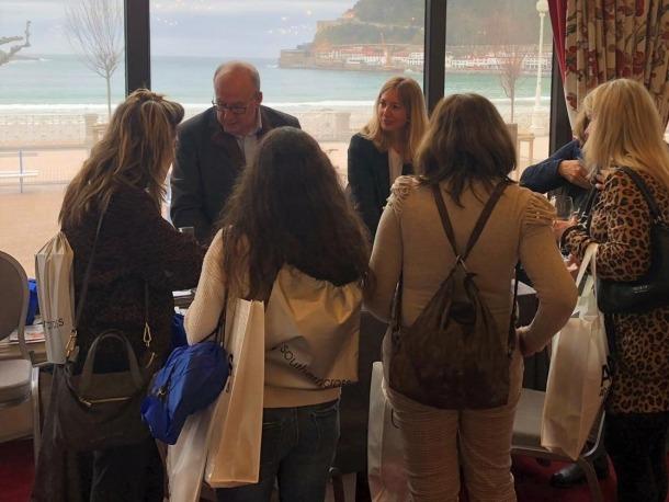 El departament de Turisme del comú d'Encamp a Sant Sebastià.