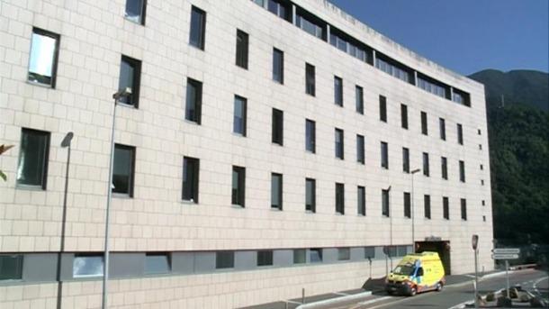 Una ambulància a la part exterior de l'hospital.