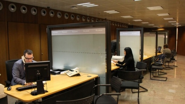 Una oficina financera d'Andorra la Vella.