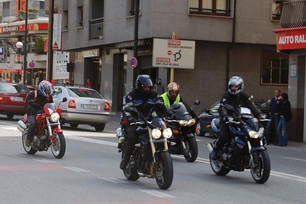 Un grup de motoristes.