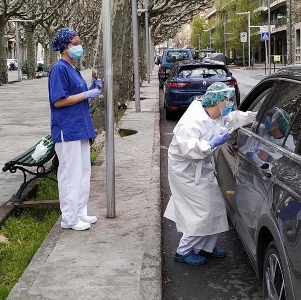 Les proves a peu de carrer, a la porta de l'hospital de la Seu, s'han iniciat avui.