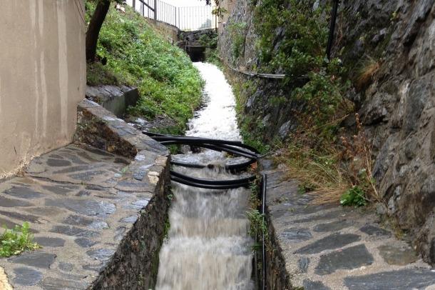 El consum d'aigua per habitant i dia se situa en 211 litres el 2015