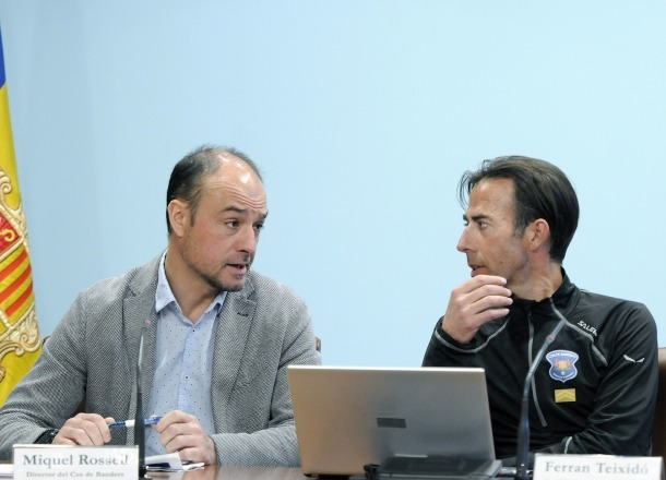 El director del cos de banders, Miquel Rossell, i el cap d'Unitat, Ferran Teixidó, en la compareixença d'ahir.
