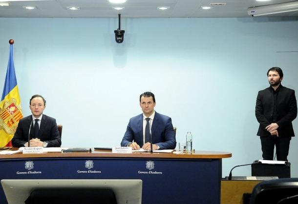 El cap de Govern, Xavier Espot, i el ministre de Presidència i Economia, Jordi Gallardo, en la roda de premsa d'aquest vespre.