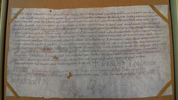 La Carta Pobla, suposadament datada el 805 i firmada ni més ni menys que pels emperadors Carlemany i Carles el Calb: tot un 'fake' que Oliver Vergés i Carles Gascón han desmuntat.